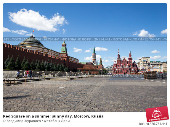 Red Square on a summer sunny day, Moscow, Russia, фото № 26754441, снято 6 августа 2017 г. (c) Владимир Журавлев / Фотобанк Лори
