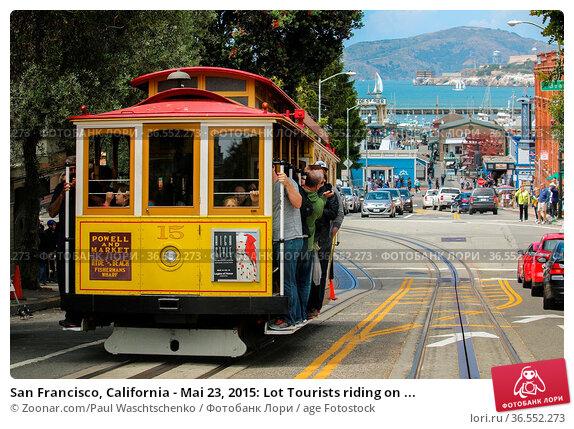 San Francisco, California - Mai 23, 2015: Lot Tourists riding on ... Стоковое фото, фотограф Zoonar.com/Paul Waschtschenko / age Fotostock / Фотобанк Лори
