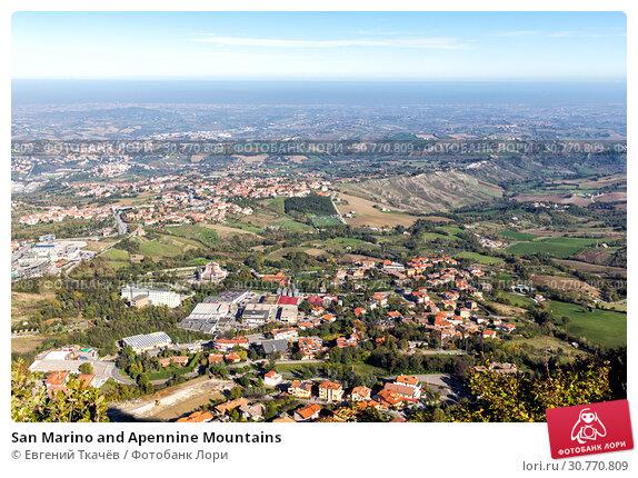 Купить «San Marino and Apennine Mountains», фото № 30770809, снято 6 ноября 2013 г. (c) Евгений Ткачёв / Фотобанк Лори