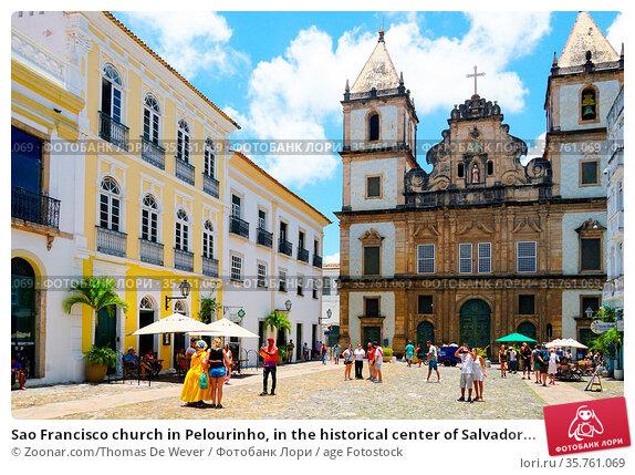 Sao Francisco church in Pelourinho, in the historical center of Salvador... Стоковое фото, фотограф Zoonar.com/Thomas De Wever / age Fotostock / Фотобанк Лори