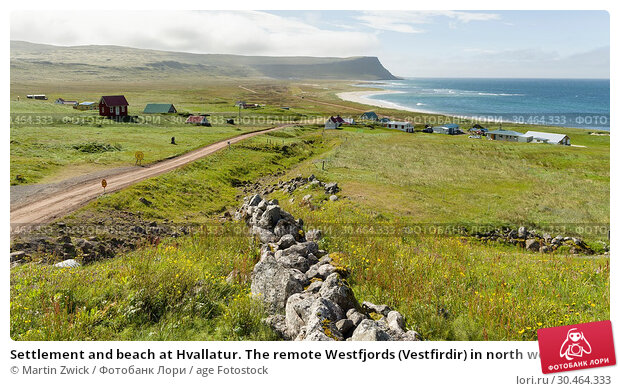 Settlement and beach at Hvallatur. The remote Westfjords (Vestfirdir) in north west Iceland. Europe, Scandinavia, Iceland. Стоковое фото, фотограф Martin Zwick / age Fotostock / Фотобанк Лори