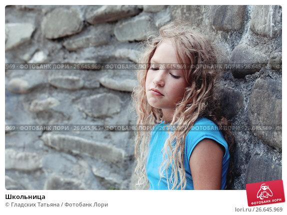 Купить «Школьница», фото № 26645969, снято 22 мая 2016 г. (c) Гладских Татьяна / Фотобанк Лори