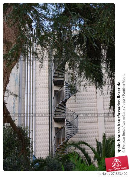 Купить «spain houses hausfassaden lloret de», фото № 27823409, снято 20 октября 2018 г. (c) PantherMedia / Фотобанк Лори