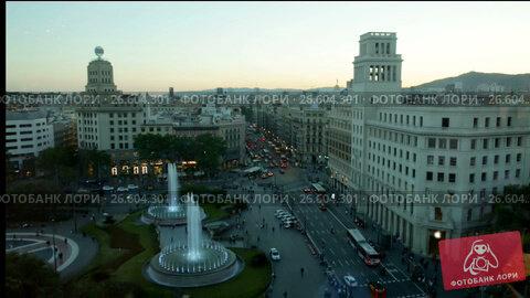 Купить «Square of Catalonia is picturesque place in Spain.», видеоролик № 26604301, снято 22 июня 2017 г. (c) Яков Филимонов / Фотобанк Лори