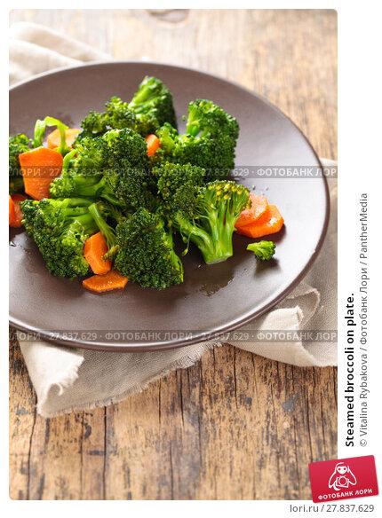 Купить «Steamed broccoli on plate.», фото № 27837629, снято 18 октября 2018 г. (c) PantherMedia / Фотобанк Лори
