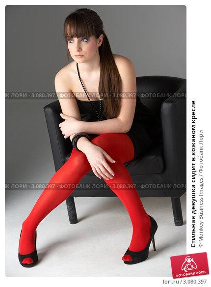 фото девушек в красных колготках