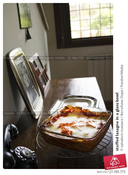 Купить «stuffed lasagne in a glass bowl», фото № 27785773, снято 15 октября 2018 г. (c) PantherMedia / Фотобанк Лори