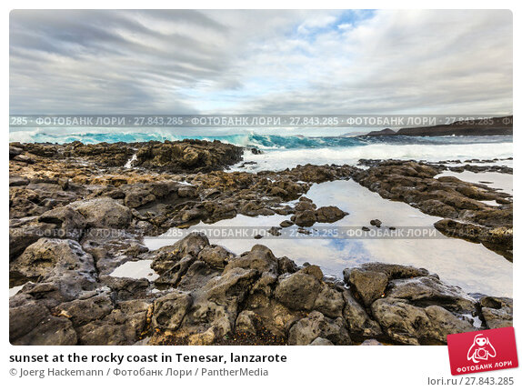 Купить «sunset at the rocky coast in Tenesar, lanzarote», фото № 27843285, снято 18 февраля 2018 г. (c) PantherMedia / Фотобанк Лори