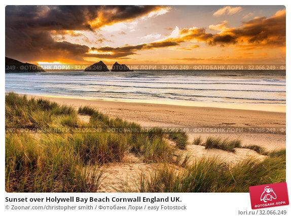 Sunset over Holywell Bay Beach Cornwall England UK. Стоковое фото, фотограф Zoonar.com/christopher smith / easy Fotostock / Фотобанк Лори