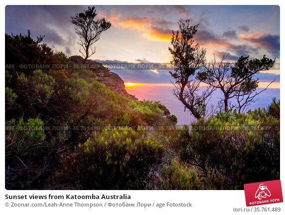 Sunset views from Katoomba Australia. Стоковое фото, фотограф Zoonar.com/Leah-Anne Thompson / age Fotostock / Фотобанк Лори