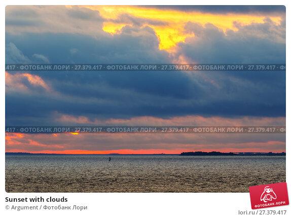 Купить «Sunset with clouds», фото № 27379417, снято 3 сентября 2014 г. (c) Argument / Фотобанк Лори