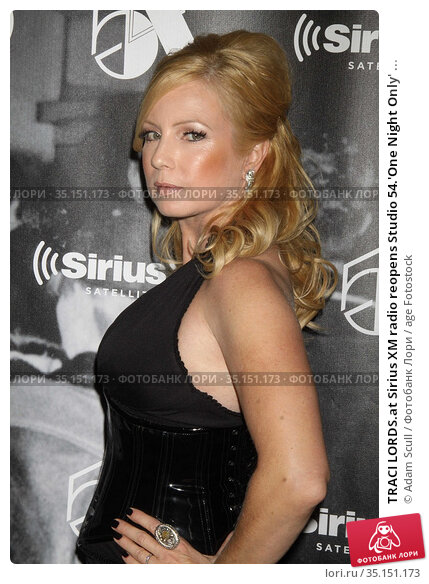 TRACI LORDS.at Sirius XM radio reopens Studio 54.'One Night Only' ... (2011 год). Редакционное фото, фотограф Adam Scull / age Fotostock / Фотобанк Лори