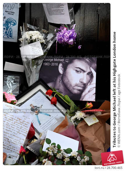 Купить «Tributes to George Michael left at his Highgate London home Featuring: Atmosphere, George Michael Where: London, United Kingdom When: 27 Dec 2016 Credit: WENN.com», фото № 28700465, снято 27 декабря 2016 г. (c) age Fotostock / Фотобанк Лори