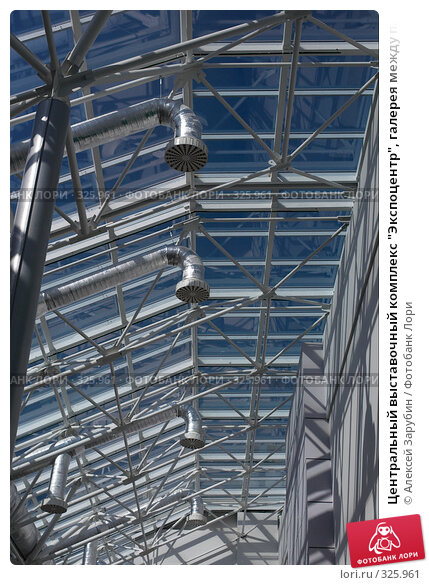 """Центральный выставочный комплекс """"Экспоцентр"""", галерея между павильонами №7 и №2, фото № 325961, снято 11 июня 2008 г. (c) Алексей Зарубин / Фотобанк Лори"""