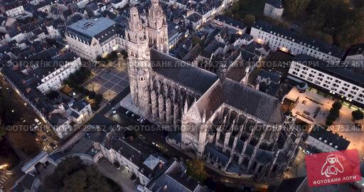 Купить «View from drone of impressive Roman Catholic Cathedral of Tours in twilight, France», видеоролик № 29752461, снято 25 октября 2018 г. (c) Яков Филимонов / Фотобанк Лори