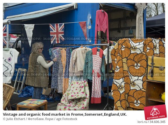 Vintage and organic food market in Frome,Somerset,England,UK. (2018 год). Редакционное фото, фотограф Julio Etchart / age Fotostock / Фотобанк Лори