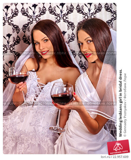 lesbiyanka-v-svadebnom-plate